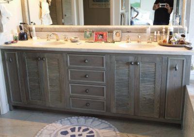 Bathroom Loovere doors custom finish