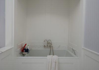 Donnas Bathroom Tub