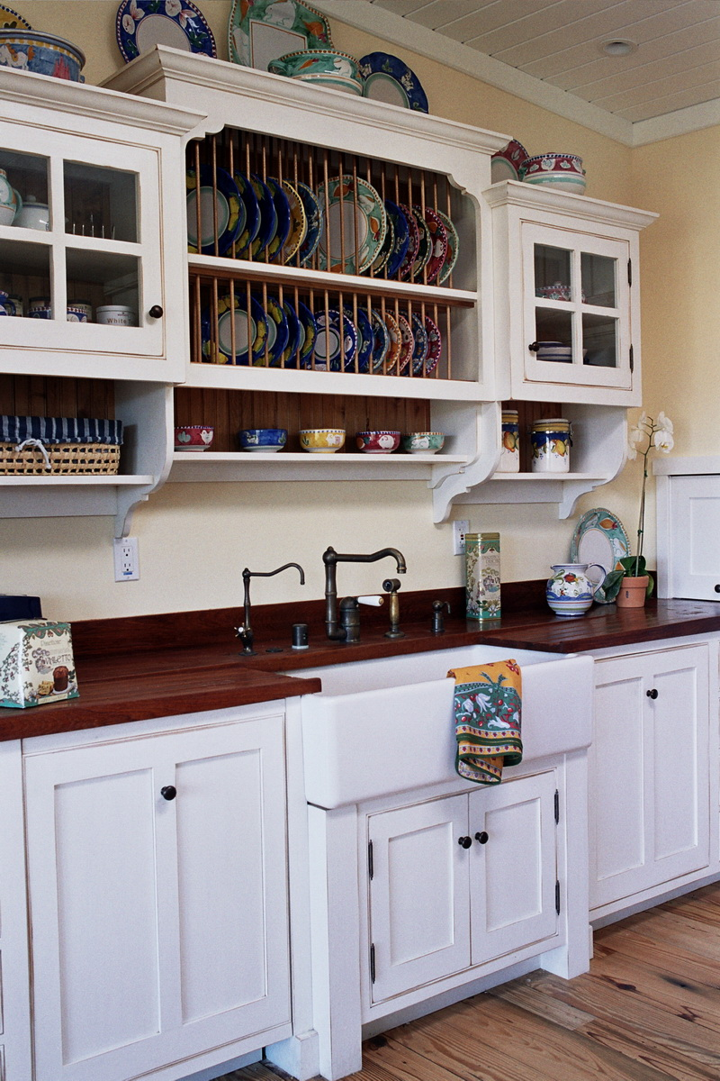 Built In Kitchen Sink With Cabinet and Rack