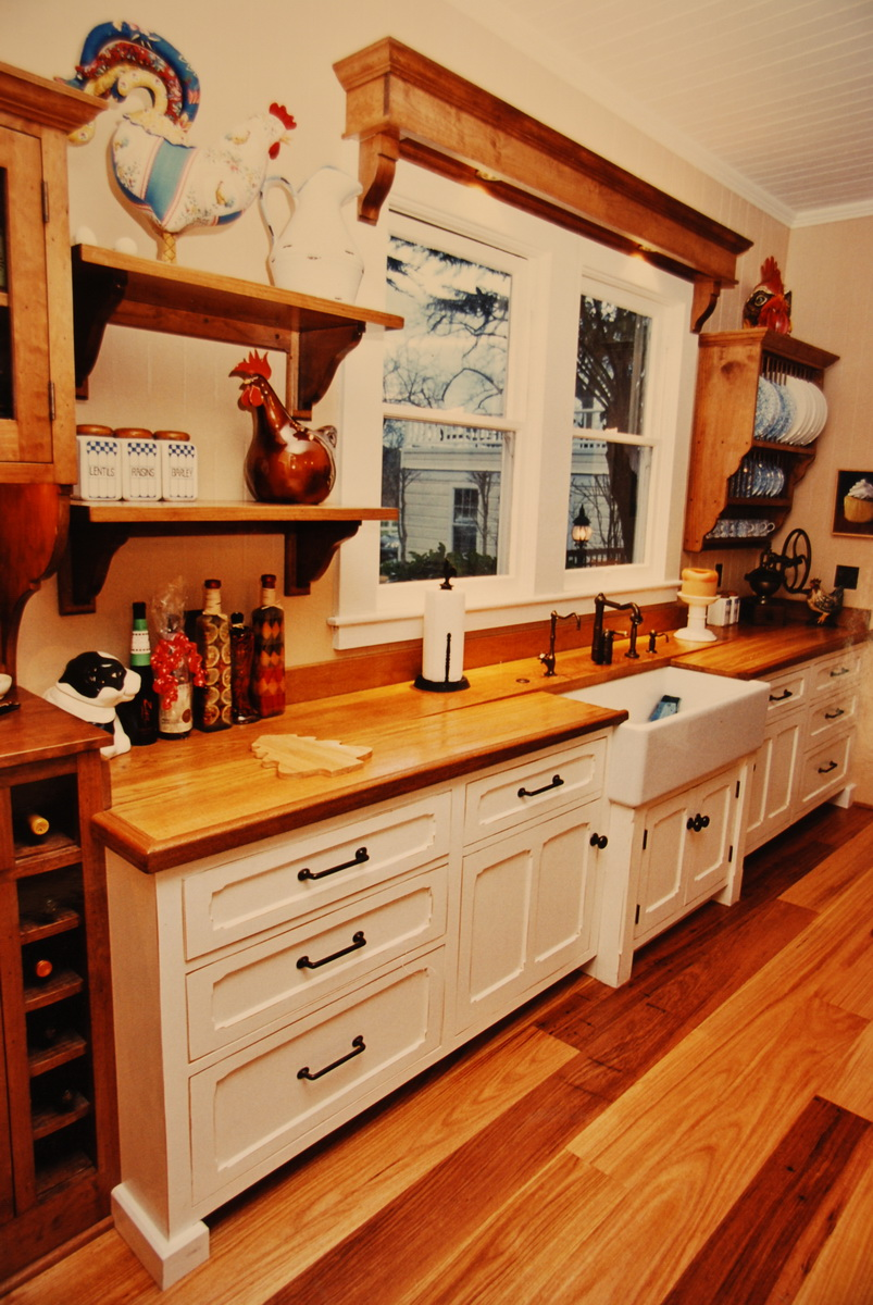 Kitchen Cabinet with Sink