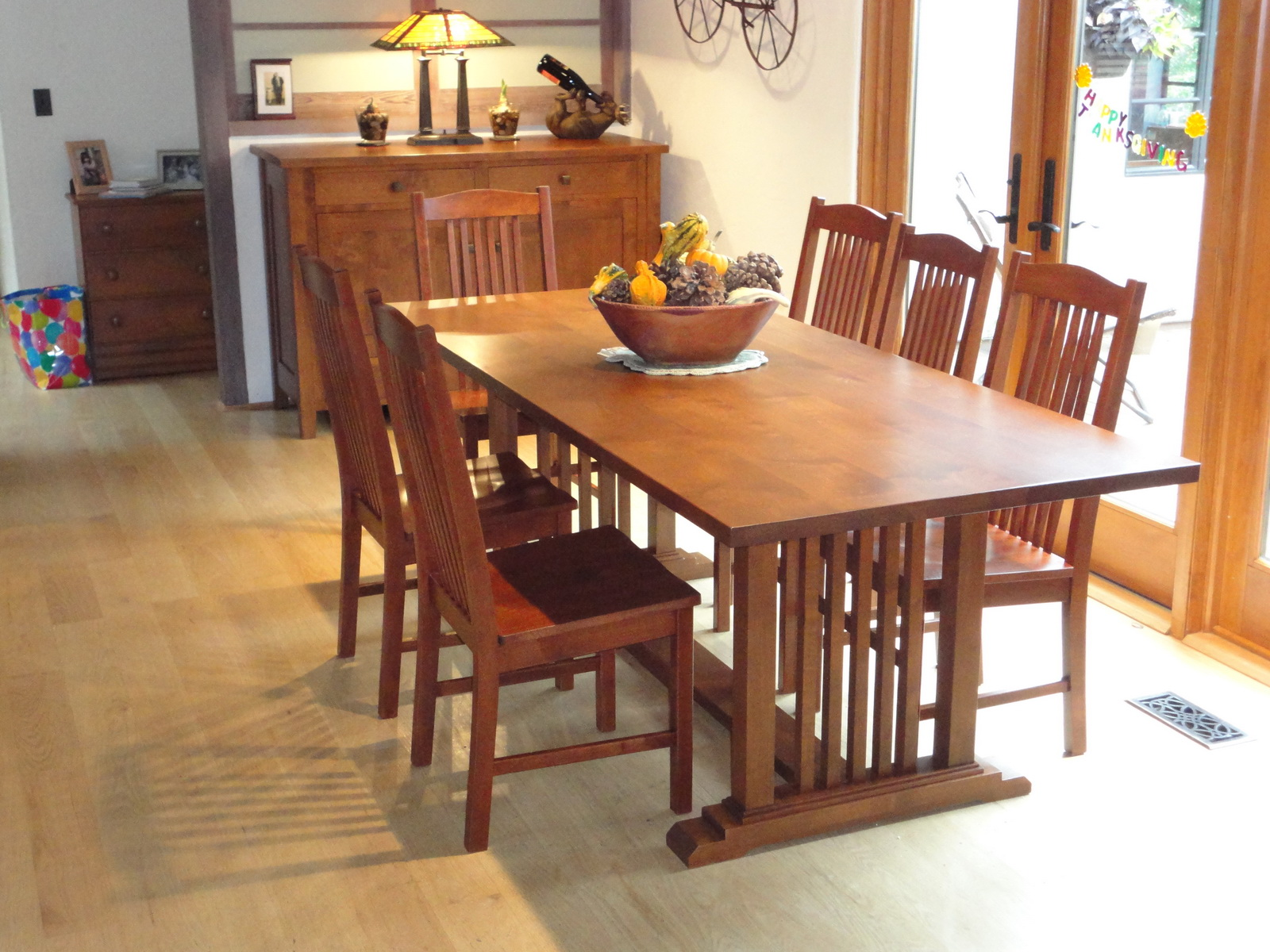 Attractive Mission Style Table And Chairs