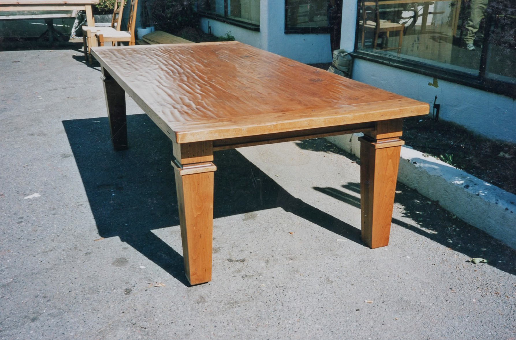 Table dining table 046