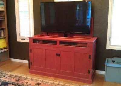 pop-up tv cabinet with painted finish